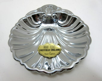 Vintage Sheffield Clam Shell Tray Silver Colored