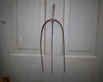 Primitive 3 Prong Pitchfork - Hay Fork Head - item #1255
