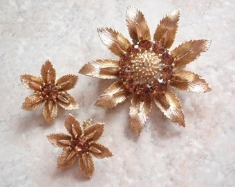 Lisner Floral Brooch Earrings Amber Rhinestones Gold Tone Clip On Vintage V0328