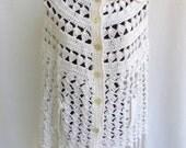 Vintage 70's Cape Poncho White Acrylic Knit with Fringe Size XS / S Hippie Boho