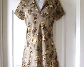"Vintage Mini Dress, Mod Frock, Made in USA, 1970's Floral ""M collection"" Size 9"