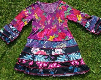 A tee dress for a girl upcycled by Niknok