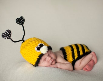 Bumble Bee, Newborn Photo Prop, Halloween Costume, Baby Bee Hat, Newborn to 6 Months, Baby Costume, Insect Set, Crochet Bug Hat, Baby Hat