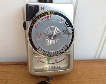 Vintage Sekonic Micro-Leader Light Meter