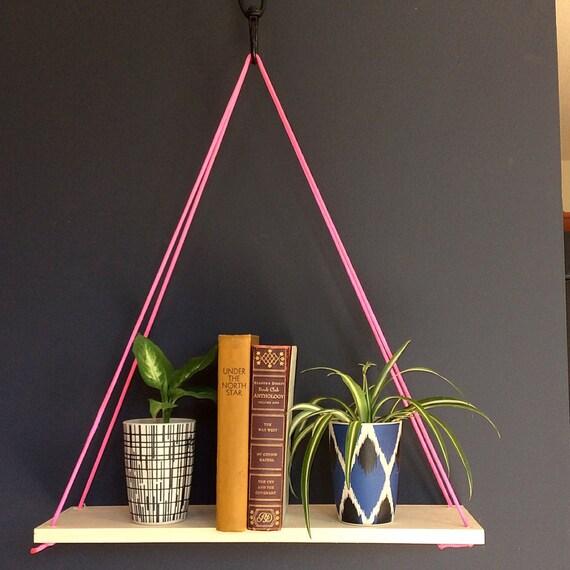 articles similaires corde suspendue tag re pin. Black Bedroom Furniture Sets. Home Design Ideas