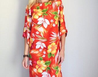 Vintage 70s Red Orange Yellow Hawaiian Maxi Luau Dress // womens small