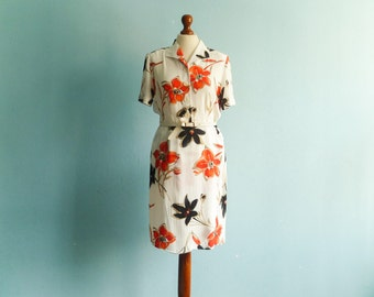 Vintage white floral dress shirtdress / orange black bold flowers / button up top / short sleeves / knee length / medium small