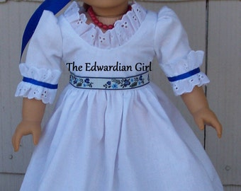 Colonial dress for 18 inch soft bodied dolls. Felicity and more. Fits Springfield, American Girl, Gotz Made in USA