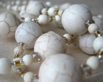 Creamy white chic necklace & earrings set - off white, caramel veins, howlite