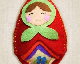 Matryoshka Dolls Sewing Kit, Felt Nesting Doll Kit, Felt Doll Kit, Intermediate Sewing Kit, Hand-Stitching, DIY Sewing - 'Matryoshka' Heidi