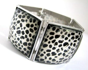 Leopard Bracelet in Silver Tone and Black with Faceted Cabochons / Animal Print Bracelet, Flexible One Size Fits All.