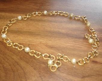 vintage necklace goldtone faux pearls chain