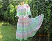 Pretty Circle  Dress Vintage / pink / pale green / blue / white / size EUR 40 / 42 X UK12 / 14