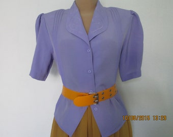 Buttoned Blouse Vintage /  EUR 38 / 40 X UK10 / 12 / Violet / Silky Poly / Embroidery/ Short Sleeve / Side Slits
