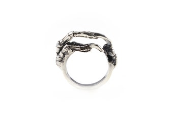 The Hunted II Simple crow claw ring in sterling silver