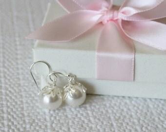 10 mm large leaf pearl drop earrings- White pearl earrings- Bridesmaid earrings- Silver leaf pearl earrings-  pearl earrings- gold earrings