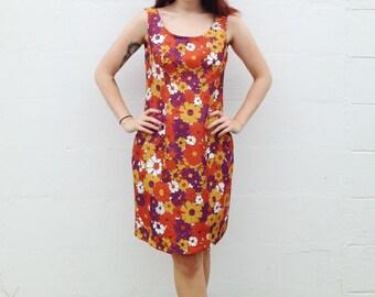 HALF OFF SALE Groovy 60's Vintage Fall Floral Dress / Medium