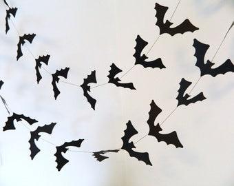 Halloween Decoration / Paper Bat Banner / Black Bats Garland / Halloween Party Decor / Halloween Garland /Halloween Photo Prop