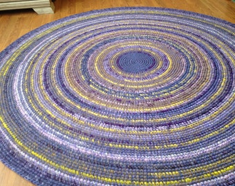 Lavender rug, 60 or 65 inches in diameter