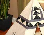 California nights quilted mini 5 sided black, white, and grey teepee with bears and trees