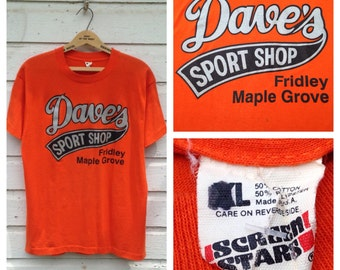1980's Dave's Sport Shop t-shirt, fits like a large