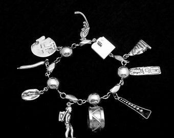 Vintage Taxco Mexico Mexican 900 Silver Heavy Charm Bracelet 9 Charms 21018