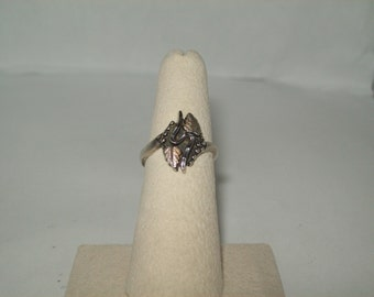 Sterling Silver  Grape Vine ring size- 6