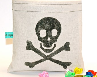 Pirate Reusable Snack Bag - Reusable Sandwich Bag - Party Loot Bag - Hand Printed Skull and Crossbones
