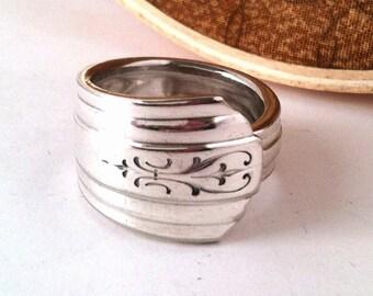 Spoon Ring, Size 8, Avon 1940