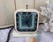 Everhot Wind-Up Clock - Vintage Time Keeper, Old Antique Art Deco Kitchen Timer, Kitchen Tool + Holiday Baking, Christmas Baking Accessories