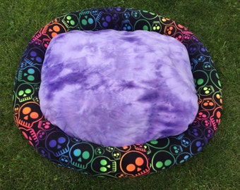 Multi color skull extra large pet bed