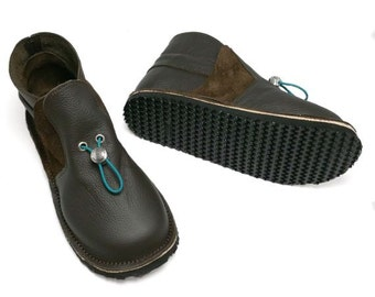 Leather and suede childrens shoes. Boys chocolate brown boots. Handmade leather shoes.
