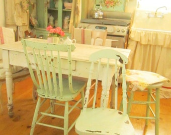 Chippy vintage minty green chair shabby chic farmhouse prairie