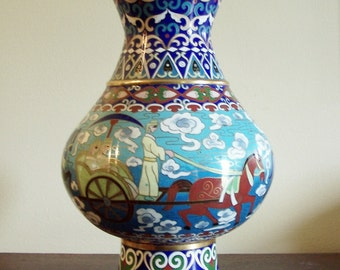 LARGE CLOISONNE' VASE - Chinese - Charioteers & Horsemen - Solid Brass with Hard Enamel