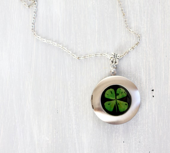 Clover locket necklace - Four Leaf Clover Resin Necklace - 4 Leaf Clover