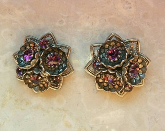 Vintage 50s/60s clip on earrings, floral filigree shaped, antique silver, glass amethyst strass