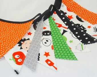 Halloween Party Bunting Banner - Fabric Banner - Pumpkins, Bats, Spiders, Ghosts & Stars - Orange, Green, Black and Gray