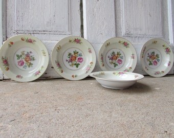 Vintage set of 5 small size bowls porcelain Rose China Made in occupied Japan.