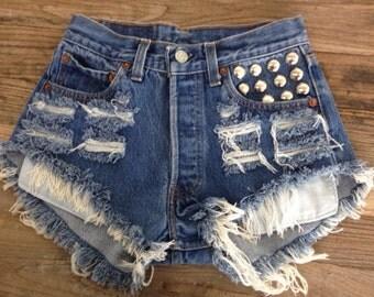 Vintage LEVIS Studded Pocket High Waisted Denim Shorts XL