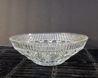 Vintage 80's pressed glass round bowl