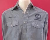Mens LARGE cowboy shirt, Red Kap, vintage, blue denim chambray embroidered workshirt, pearl snaps (609)