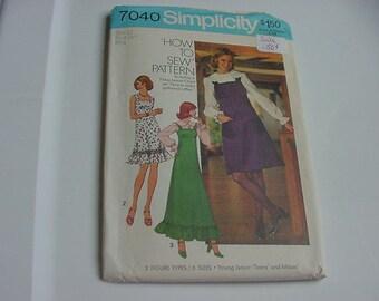 Vintage 1970s Simplicity Pattern 7040, Short Dress, 2 Lengths, and Blouse, Size 12, Bust 34, Uncut