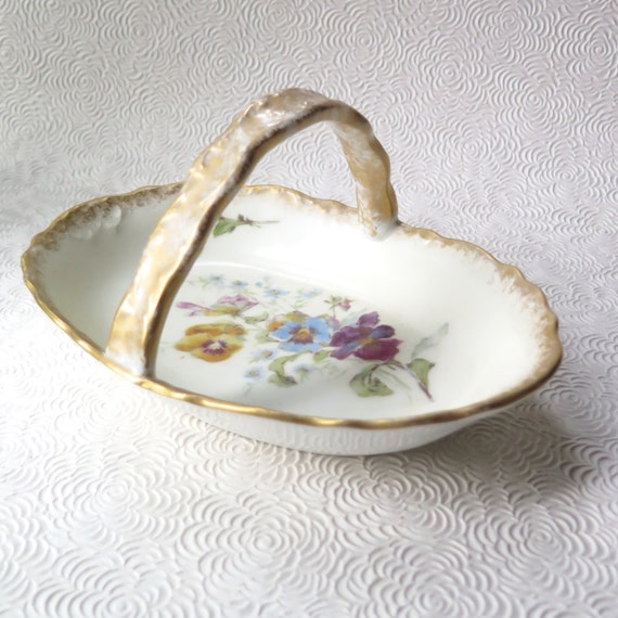 Vintage Atlantic Mold Yellow Roses Centerpiece Bowl Easter Basket