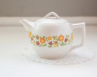 McCoy Teapot, Flowers in Cross Stitch