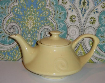 Vintage 1940s Pearl China Company Yellow Teapot