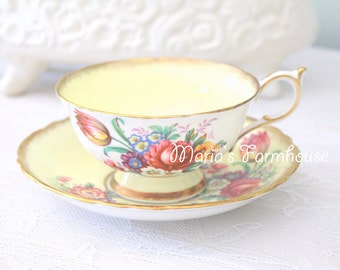 Vintage, Double Warrant Paragon By Appointment English Fine Bone China, Teacup and Saucer, Gifts or Her - c. 1939 - 1949
