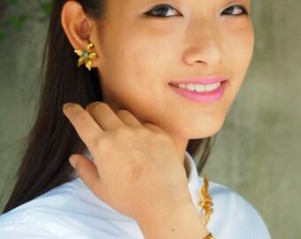 Vintage Jewelry, Jewelry Sets, Vintage brooch, Vintage Earrings, 1950s Jewelry, Antique jewelries, Bridal Jewelry Sets, Demi Parure