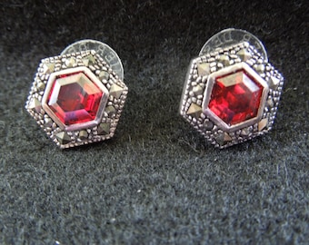 Vintage Post Earrings.  Antiqued Brass with Central Red Rhinestone.  Small Hexagons.  Excellent Condition.