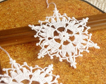 Crochet snowflakes Winter decorations Crochet ornaments White crocheted snowflake Handmade ornaments Decor for Christmas Festive decor B