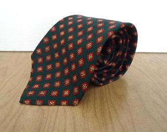 Vintage Brooks Brothers Silk Foulard Necktie / men's English quatrefoil clover print pattern green, red & white tie